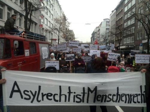 Demonstration Asylrecht ist Menschenrecht